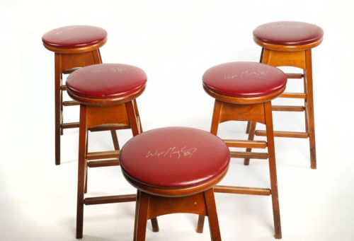 Wayne Gretzky Signed Red Leather Bar Stool from Gretzky's Restaurant (2 of 3)